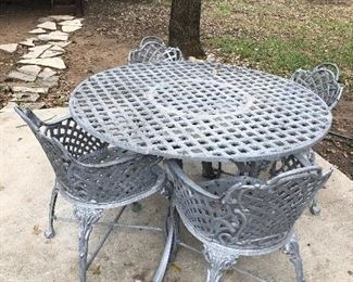 Round Metal Table with 4 Chairs