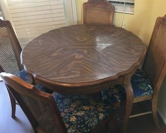 Kitchen table w/ 4 Floral Chairs