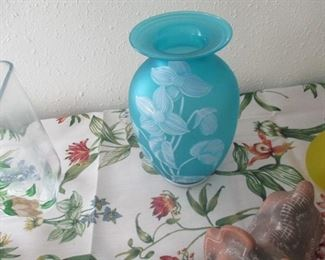Cameo vase with museum label