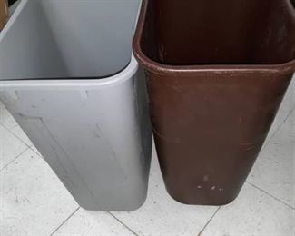 Lot of 2 Plastic Trash Cans