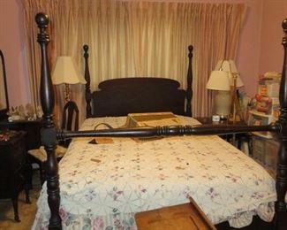 ANTIQUE 4 POSTER MAHOGANY BED