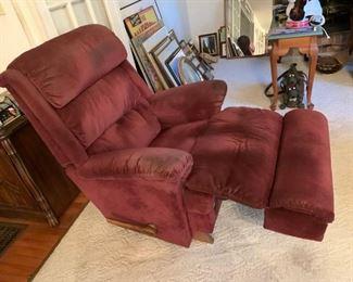 #5Burgundy Lazy boy recliner $75.00