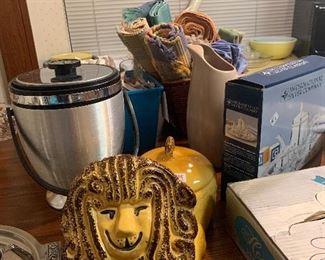 Vintage lion Cookie jar