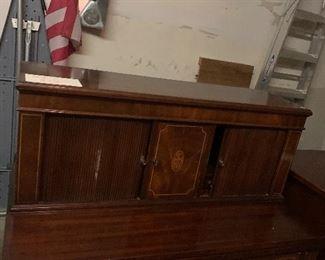 Federal desk