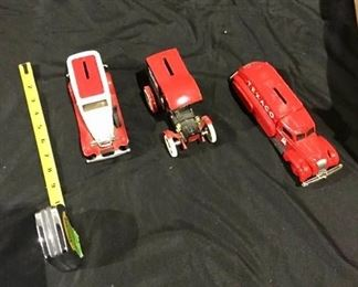 ERTL Model Cars Lot 2 https://ctbids.com/#!/description/share/275883