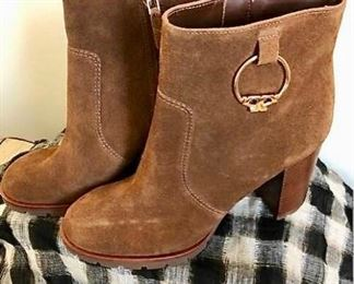 Tory Burch Suede Boots https://ctbids.com/#!/description/share/275964