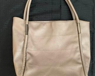 Neiman Marcus Leather Tote https://ctbids.com/#!/description/share/275804