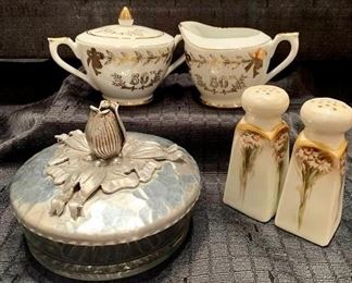 Vintage Lovelies https://ctbids.com/#!/description/share/275809
