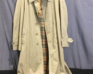 Men's Burberry Coat https://ctbids.com/#!/description/share/275932