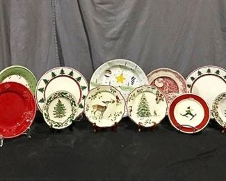 Holiday Serving Pieces https://ctbids.com/#!/description/share/275933