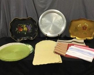 Linens and Trays https://ctbids.com/#!/description/share/275935