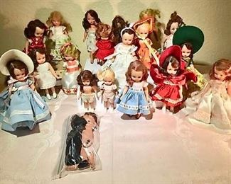 Storybook Dolls https://ctbids.com/#!/description/share/276018