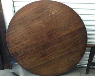 Large Vintage Table https://ctbids.com/#!/description/share/275178