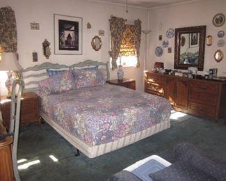 Mid-Century Modern Vanleigh Furniture Bedroom Suite