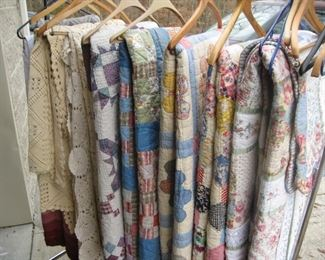 quilts, bedspreads, table linens