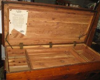 Lane cedar chest with tray, Queen Anne legs