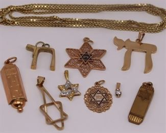 JEWELRY Grouping of Gold Judaica Jewelry