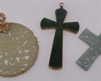 JEWELRY kt Gold and Jade Pendant Grouping