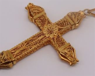 JEWELRY Large Gilt Filigree Cross Pendant