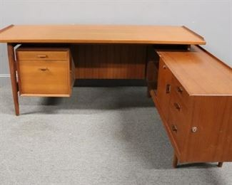 MIDCENTURY Arne Vodder Executive Desk