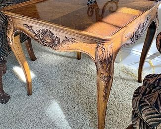 """Henredon solid maple with walnut veneer end table 20"""" x 28"""" x 26""""h $125"""