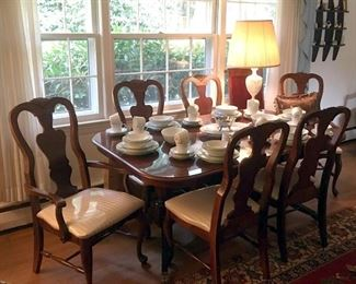 Bassett Dining Suite