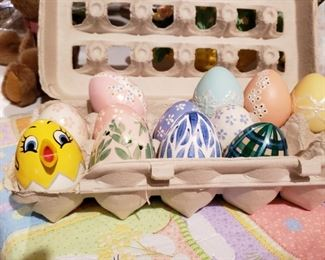 Alan Traynor painted easter eggs