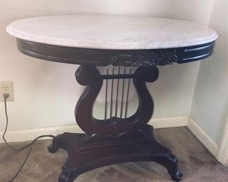 Victorian mahogany oval top with harp base table/hall table or side table