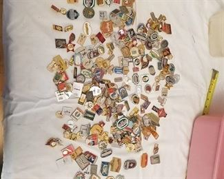 approximately 200 assorted pins