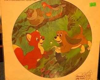 Walk Disney Fox and the Hound pictorial album