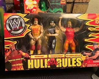 Hulk Sill Rules wrestling figurines
