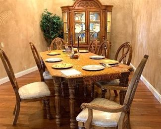 Fabulous Dining Room Table with Eight Chairs and Matching China Cabinet in Pristine Condition!