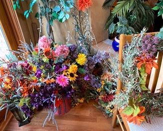 So Many Pretty Floral Arrangements