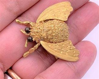 Heavy 18K gold bee pin