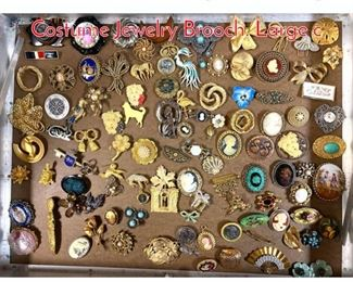 Lot 280 LOT Q Large Lot Vintage Costume Jewelry Brooch. Large c
