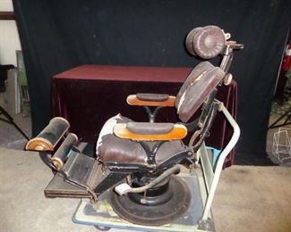 Late 19th century Barber / Dentist chair
