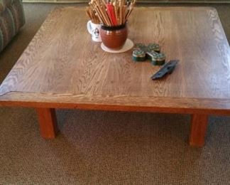Cus tom  made 48 x 48 oak coffee table. Perfect  for family room.