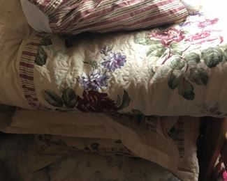 Cabbage rose full comforter set