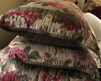Cabbage rose comforter set full size