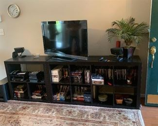 NICE TV, STAND, DVD'S AND MORE