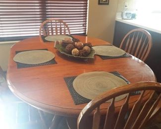 Oak dining table, 4 chairs, 1 leaf
