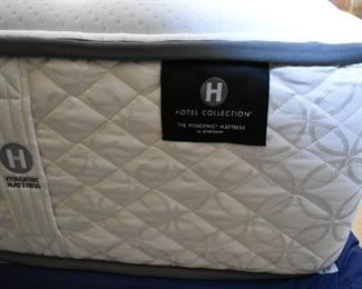 Full mattress set