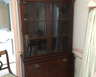 Vintage Duncan Phyfe style China Cabinet, circa 1950