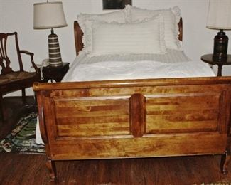 Beautiful full size vintage sleigh type bed, side tables, chairs, 50's lamp