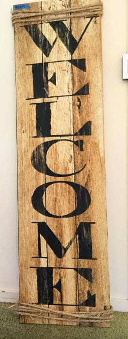 PVT004 Large Wood Welcome Sign