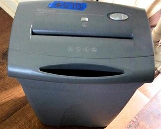 PVT070 Fellowes Office Shredder