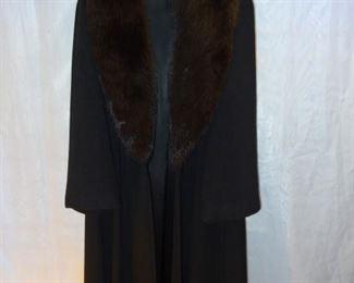CHARLES KLEIN 100%  Luxurious Cashmere