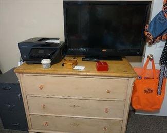 dresser, TV, OSU