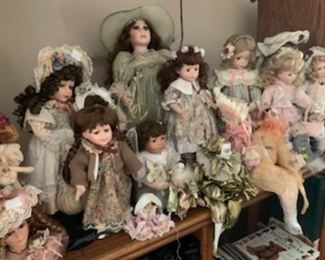 Huge doll collection, many with original tags