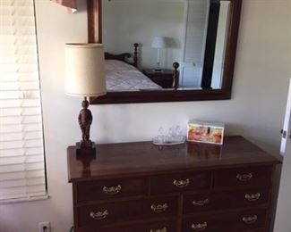 Stickley Double dresser part of matching full size four poster bedroom set